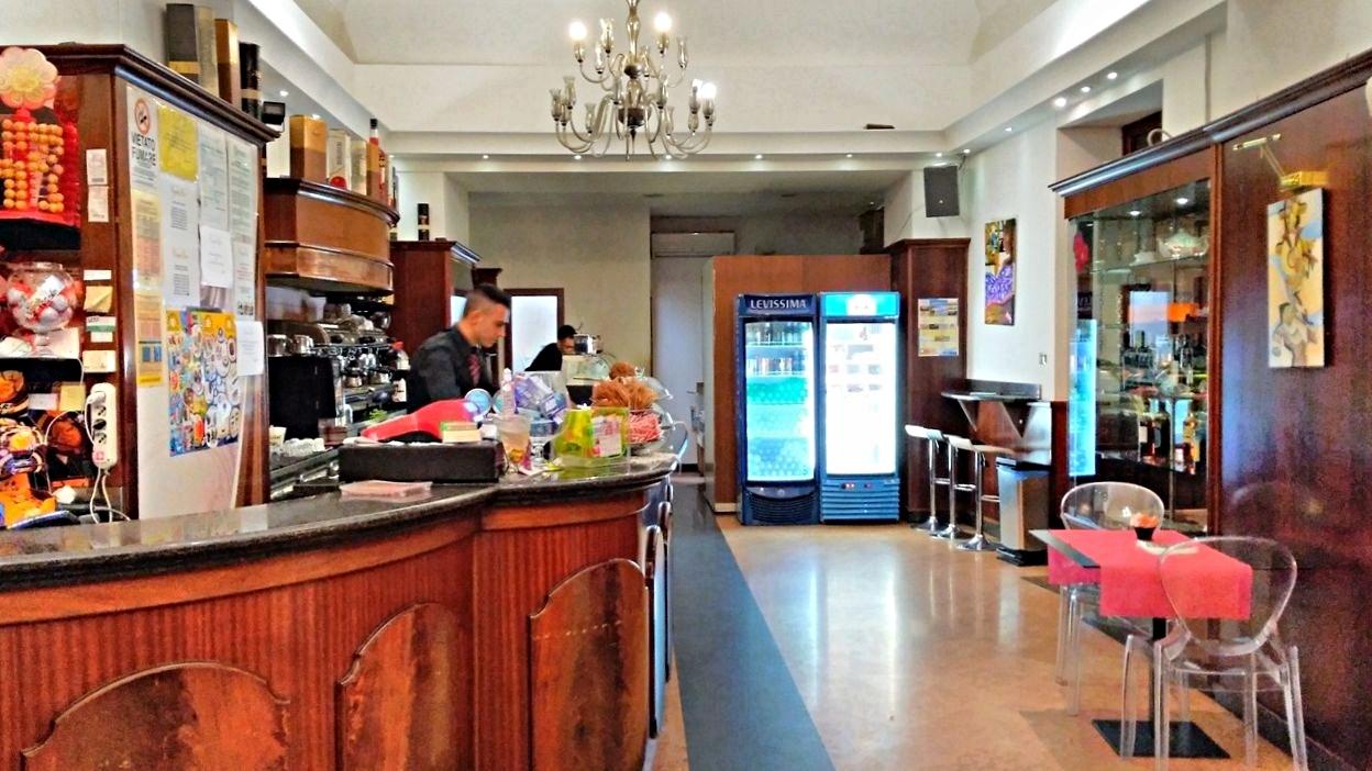 Brindisi kocsmái - Central Bar - Kocsmaturista