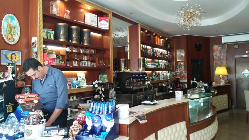 Bari barok - Elegáns kávézó - Kocsmaturista