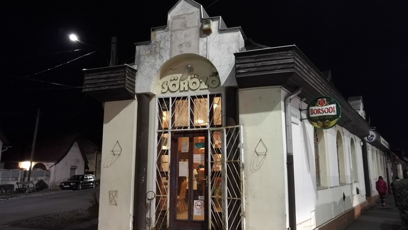 Hatvani kocsmái - Dreher söröző kívülről - Kocsmaturista