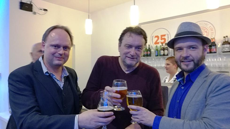 Alkoholmentes sörrel a Sörszövetség 25. születésnapján Száraz Novemberben - Kocsmaturista