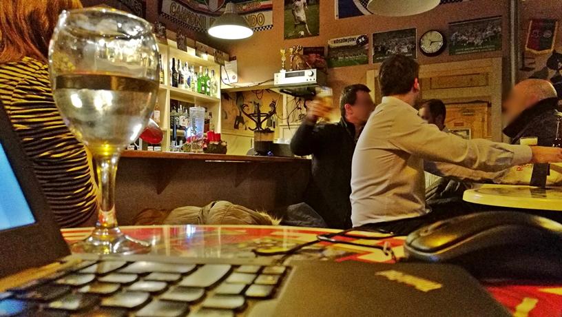 Macskafogó Söröző, Budapest, Tompa utca - a vendégsereg - Kocsmaturista