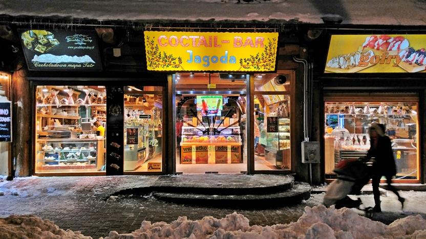 Zakopane kocsmai utcakép - Koktél bár - Kocsmaturista