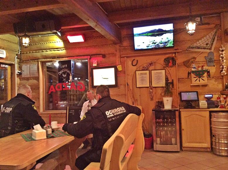 Zakopane - Gazda Bar belülről - Kocsmaturista