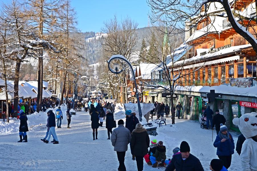 Zakopane - téli utcakép - Kocsmaturista