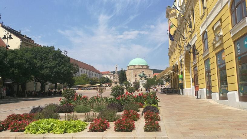 Pécs kocsmái - Széchényi tér - Kocsmaturista