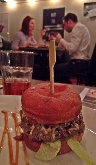 Aranyérmes Sörvacsora - FŰTŐHÁZ SÖRFŐZDE - Sophie & Ben Bistro - O My Nuts Burger - Kocsmaturista