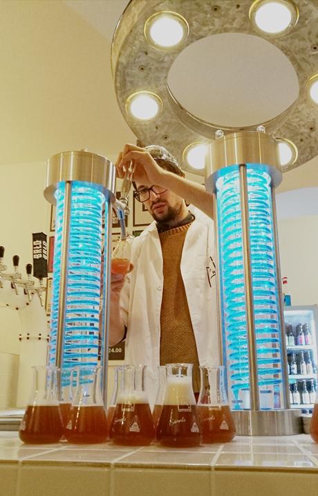 Labor Berlin megnyitó - Kocsmaturista