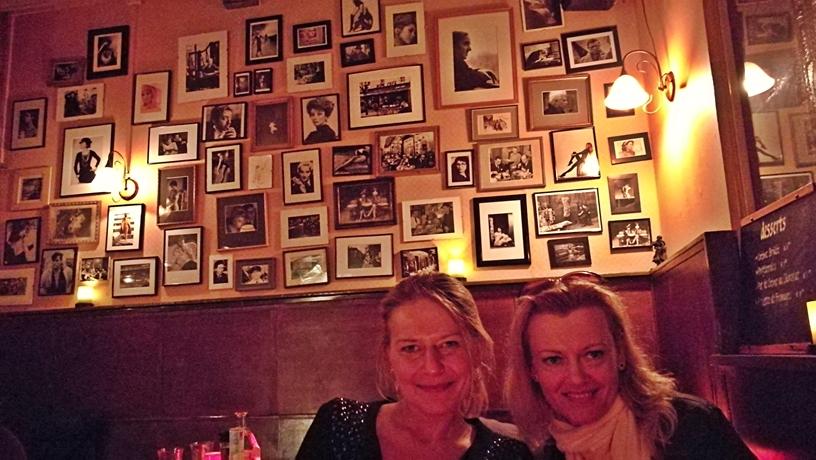Hága kocsmái - Le Cafe - Képek a falon - Kocsmaturista