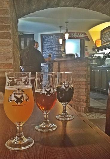 Kocsmatúra a sörcsikkgyűjtők - Ogre bácsii - Szent András sörök - Kocsmaturista