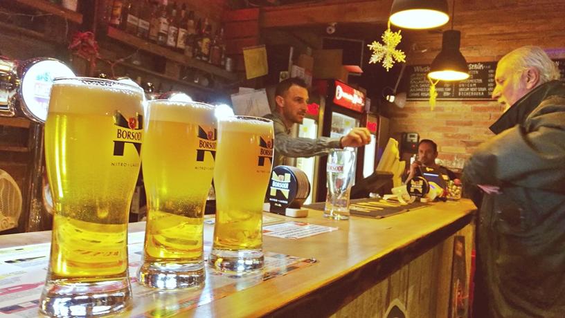 Kocsmatúra a sörcikkgyűjtőkkel - Rutin Bar - Borsodi Nitro kóstolás - Kocsmaturista