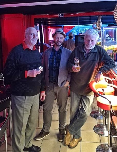 Kocsmatúra a sörcikkgyűjtőkkel - Találkozó a Virus Caféban - Kocsmaturista