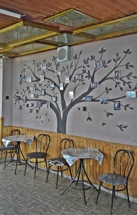 Székesfehérvár kocsmái - B kocsma- Szentképek a mennyezeten