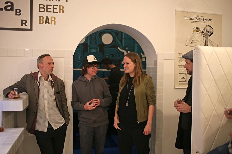 Berlin Labor Megnyitó - Mad Scientist es BRLO közös sörpremier - The Hoppiest Barrack - Kocsmaturista