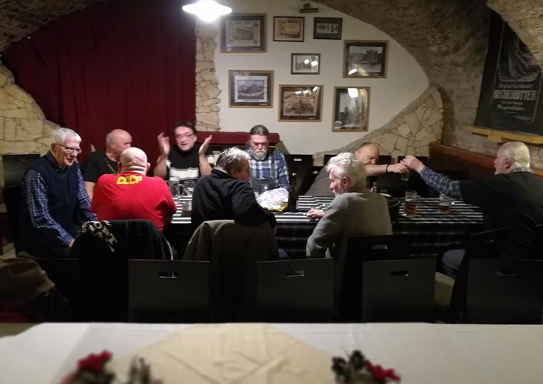 Kocsmatúra a sörcikkgyűjtőkkel - Ferdinánd Monarchia Étterem és Cseh Sörház különterme - Kocsmaturista
