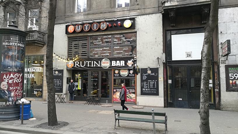 Kocsmatúra a sörcikkgyűjtőkkel - Rutin Bar - Kocsmaturista