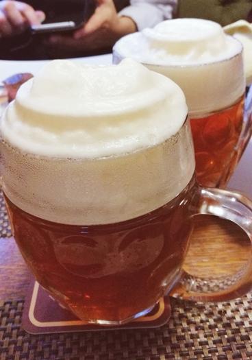 Kocsmatúra a sörcikkgyűjtőkkel - Ferdinánd Monarchia Étterem és Cseh Sörház sörei - Kocsmaturista