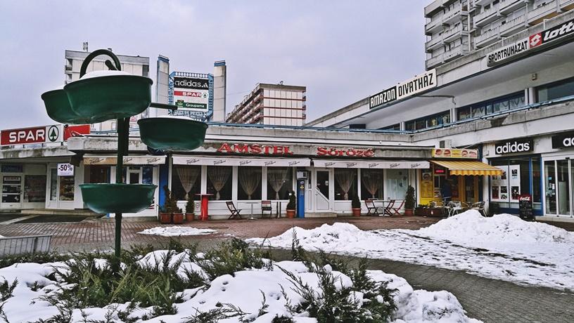 Salgótarján kocsmái és a 4 Birtok - Amstel Söröző kívülről - Kocsmaturista
