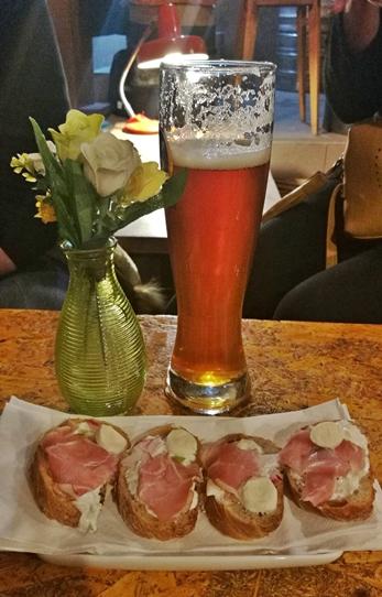 Kocsmatúra a sörcikkgyűjtőkkel - Guri Serház aperitivo - Kocsmaturista