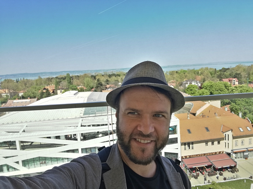 Siófok tavasszal - Zelfie a Gelato Show-val a Víztoronyból - Kocsmaturista