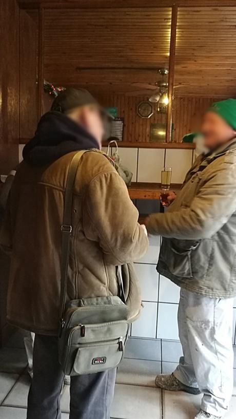 XV. kerület kocsmái, Budapest, Ibolya büfé - társalgás - Kocsmaturista
