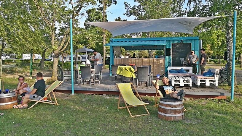 Aranypart Camping - Siófok-Szabadifürdő - Paletta Strandbisztró - Soft Opening - Kocsmaturista