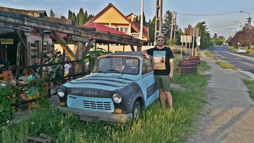 Aranypart Camping Környéke - Siófok-Szabadfürdő - Sanyi Sarok Trabant - Kocsmaturista