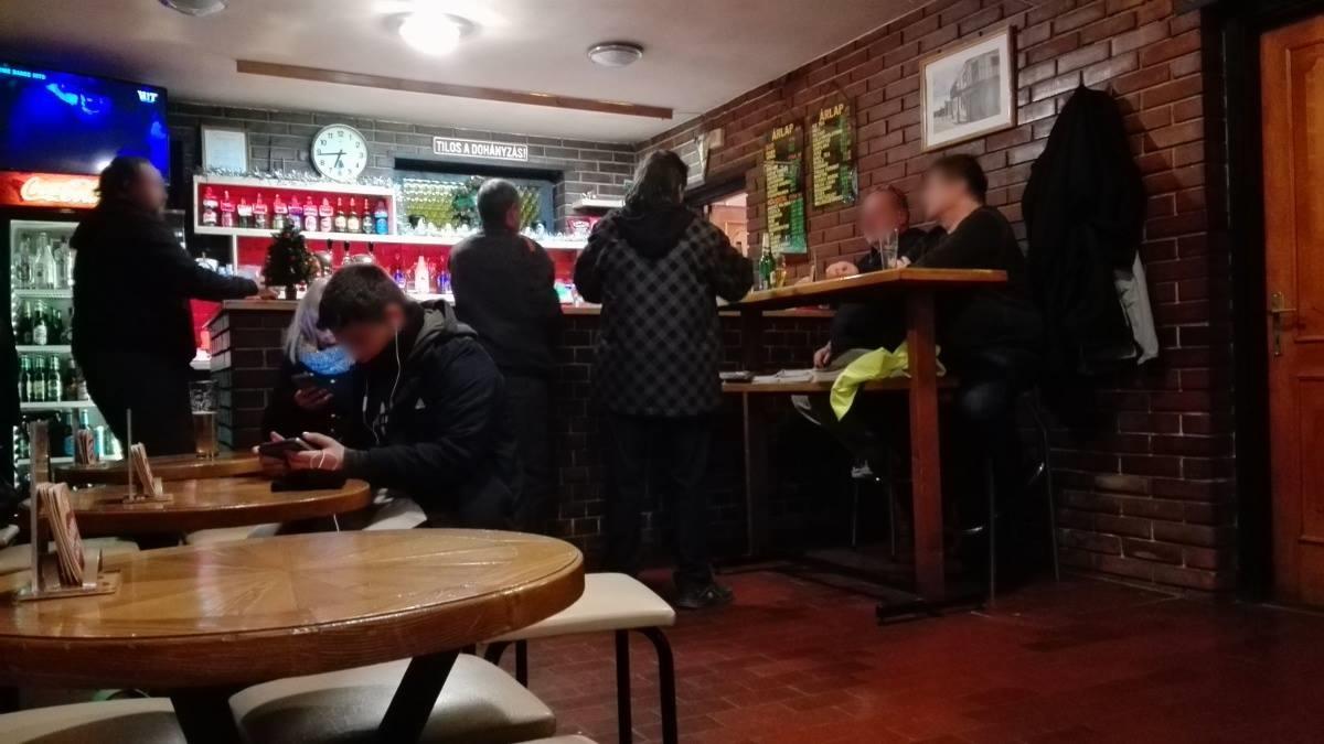 A XV. kerület kocsmái, Budapest - Kocsmaturista belülről - Jóbarát Söröző