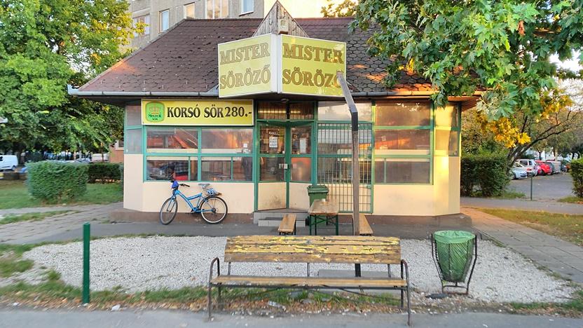 XV. kerület kocsmái, Budapest - Mister Söröző kívülről - Kocsmaturista