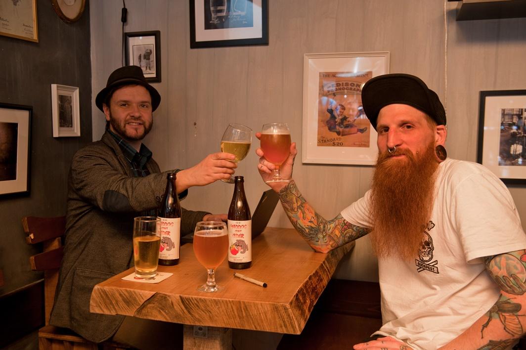 Johnnyval az Edison Bar & Inkben - Kocsmaturista