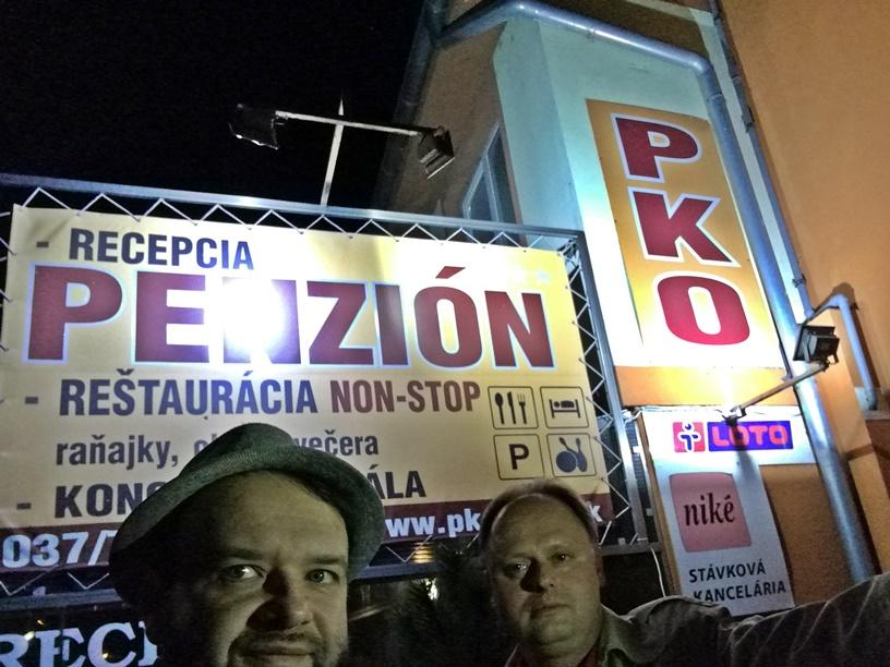 Nyitra kocsmái - PKO kívülről - Kocsamturista