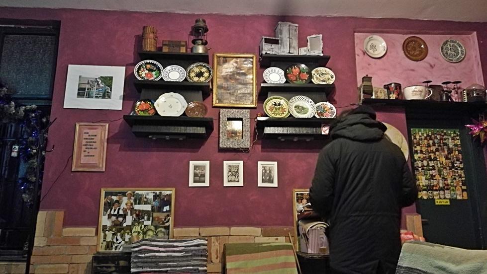 Budapesti kocsmatúra olasz szemmel - Árnyas Söröző belső terme - Kocsmaturista