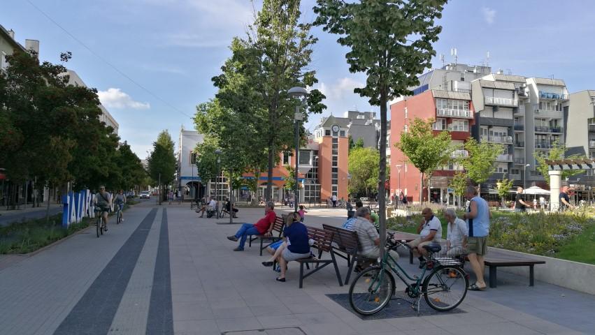 Dísz tér, Zalaegerszeg - Kocsmaturista
