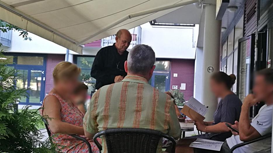 Solli Étterem - István, főpincér akcióban - Kocsmaturista