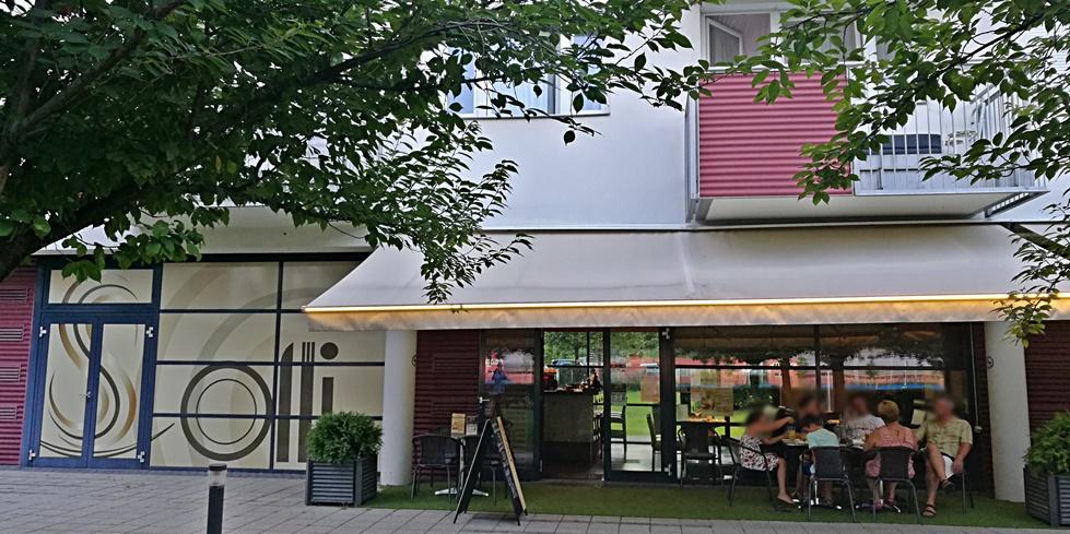Solli Étterem kívülről - Kocsmaturista