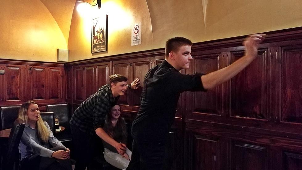 Miskolc kocsmái - Darts a Borsodi Sörözőben - Kocsmaturista