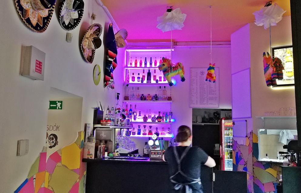 Miskolc kocsmái - El Cactus Tequila Bar pult - Kocsmaturista