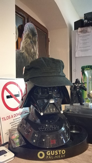 Kocsmaturista - Tatooine Drink Bar, Győr - Darth Vader a pulton