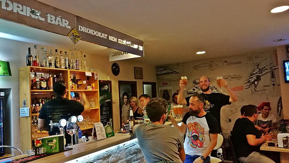 Tatooine Drink Bar, Győr - Búcsúbuli képei 02 - Kocsmaturista
