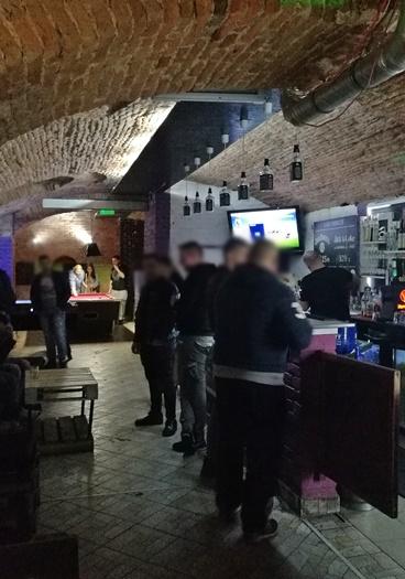 Miskolc kocsmái - Suzy Coffee & Cocktail Bar - Bentről kifelé - Kocsmaturista