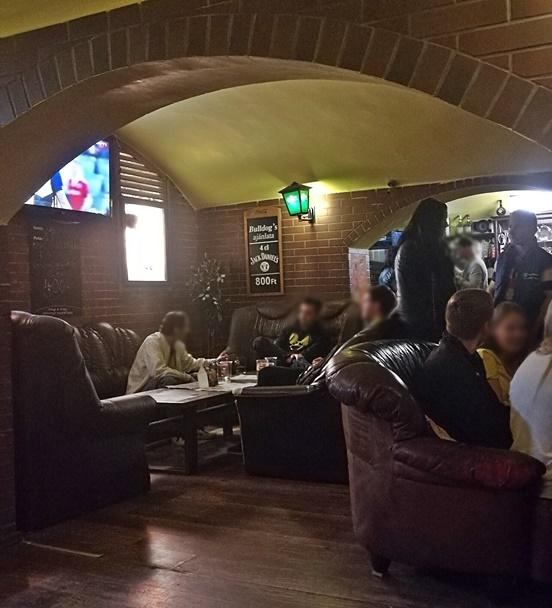 Miskolc kocsmái - Bulldog's Bar, Club klubeszerű beltere - Kocsmaturista