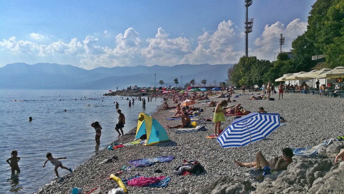 Helikopter nélkül Fiumében - Rijeka - Kocsmaturista - tengerpart