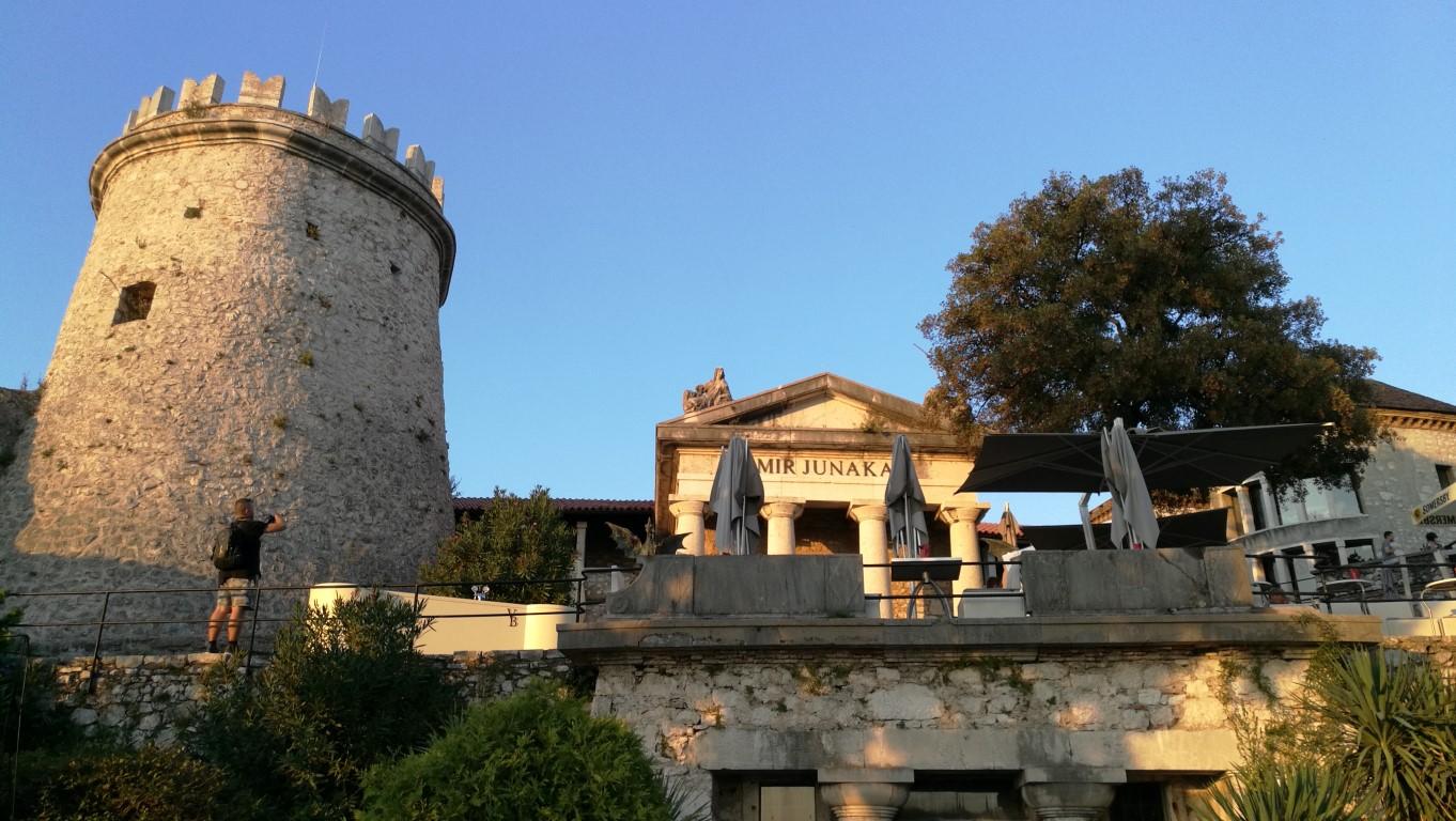 Trsat Vár - Helikopter nélkül Fiumében - Rijeka - Kocsmaturista