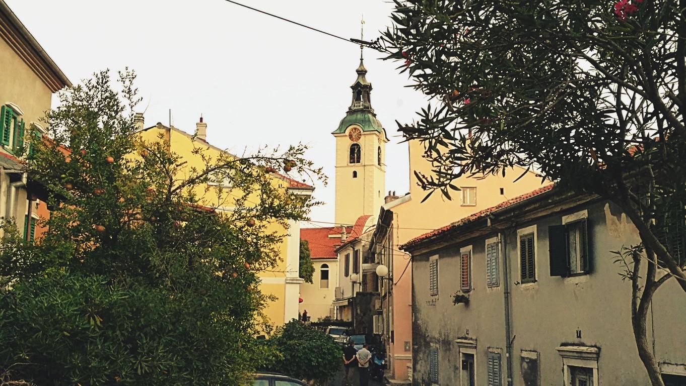 Fenn a Trsat hegyen - Helikopter nélkül Fiumében - Rijeka - Kocsmaturista