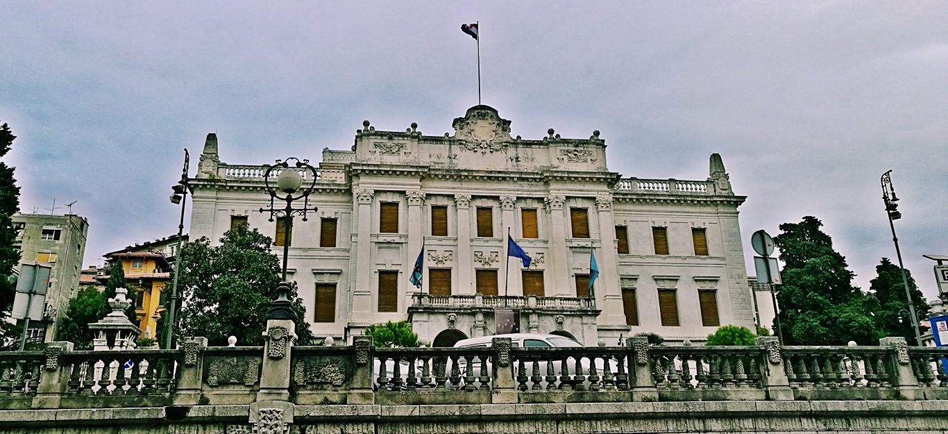 A Kormányzati Palota, Ma Tengerészeti és Történelmi Múzeum - Helikopter nélkül Fiumében - Rijeka - Kocsmaturista