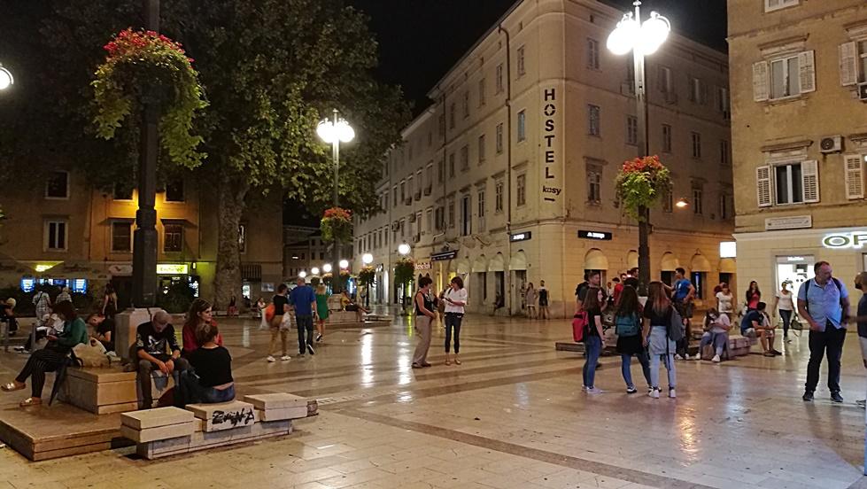 Helikopter nélkül Fiumében - Rijeka - Kocsmaturista - éjszakai utcai élet