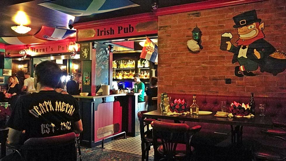 Helikopter nélkül Fiumében - Rijeka - Kocsmaturista - Harat's Pub