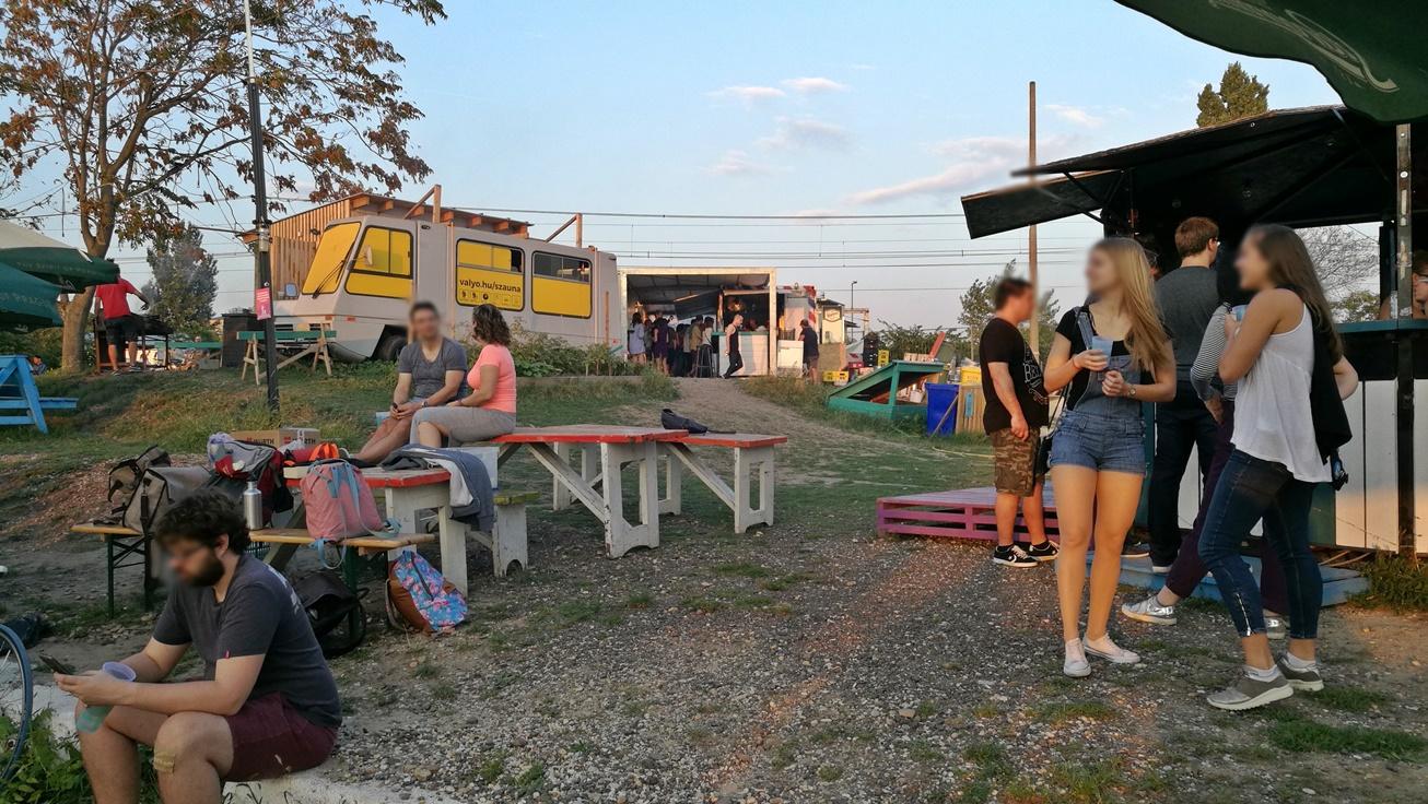 Kocsmalátogatások a Magyarországi Sörcikkgyűjtő Klubbal, VALYO Kikötő - Kocsmaturista