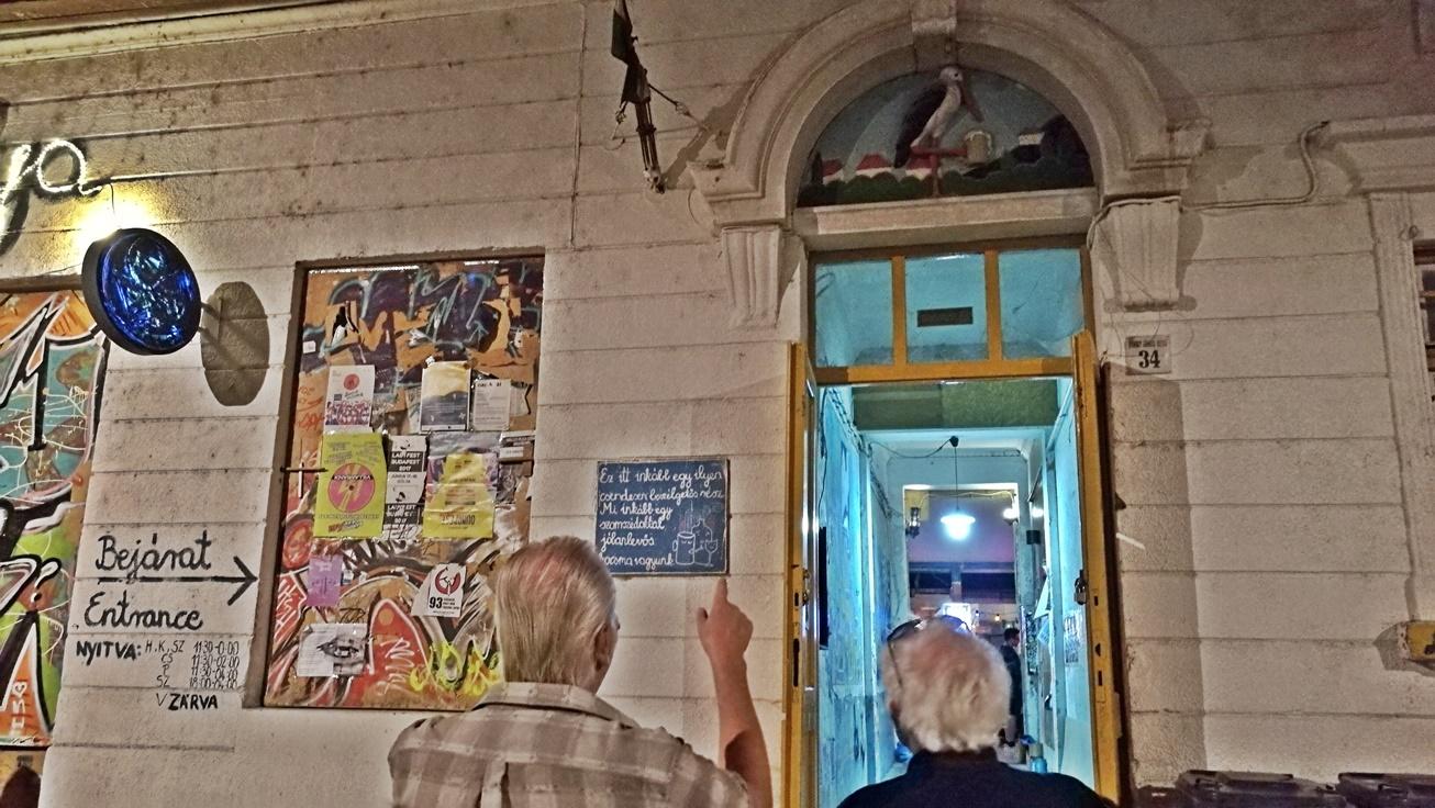 Kocsmalátogatások a Magyarországi Sörcikkgyűjtő Klubbal - Gólya - Kocsmaturista