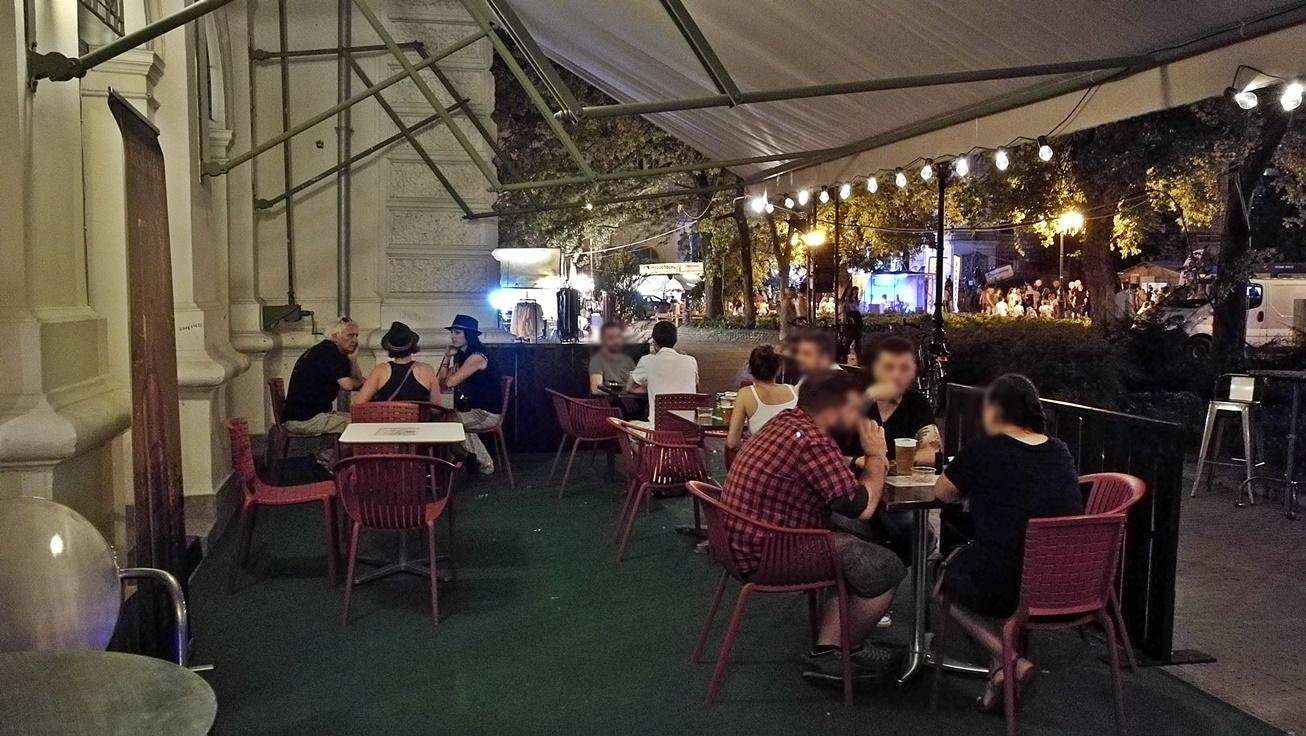 Kecskeméti Sörterasz (2) - Kocsmalátogatások a Magyarországi Sörcikkgyűjtő Klubbal - Kocsmaturista