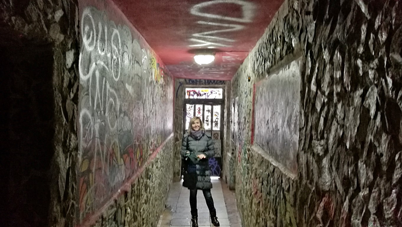 Colossueum Club - Kassa - Kocsmaturista - a folyosó